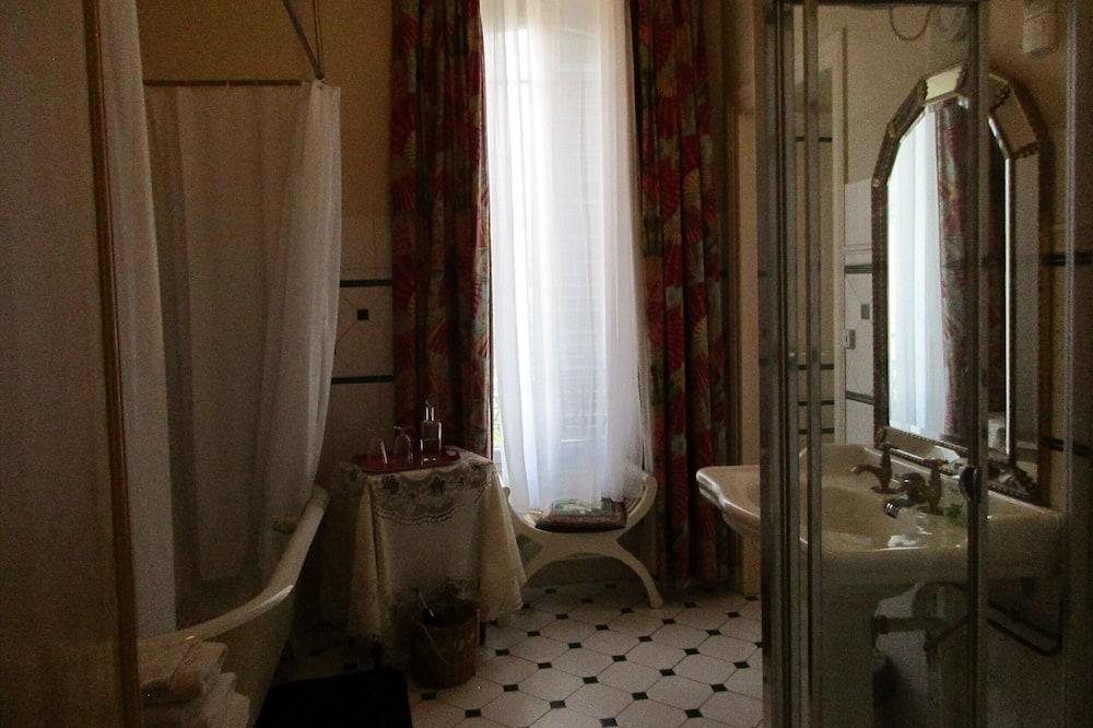 Suite Bulan Madu - Kamar mandi