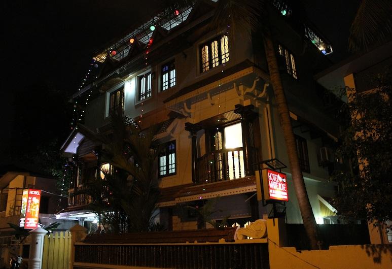 Hotel White Rose, Kochi, Hotel Front – Evening/Night