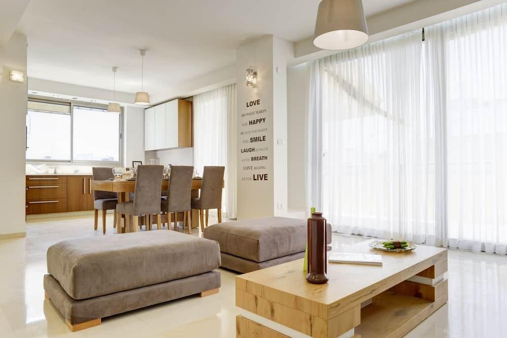 Apart Daire, 3 Yatak Odası - Oturma Odası