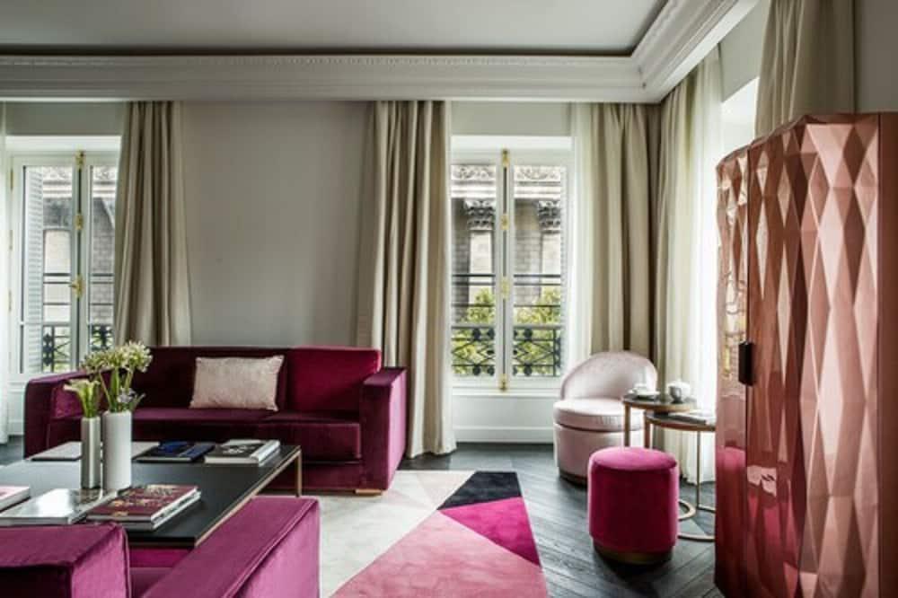 Prestige Suite - Living Area