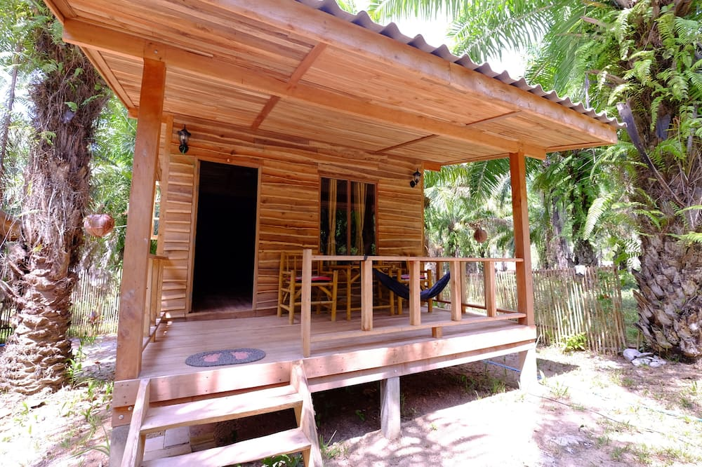 Standard Room with Garden View (Fan) - Værelse