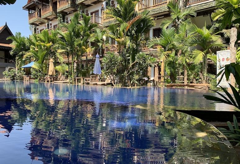 Little Prince Resort & Spa, Siem Reap, Courtyard Suite Twin Pool View Room, Pogled s balkona