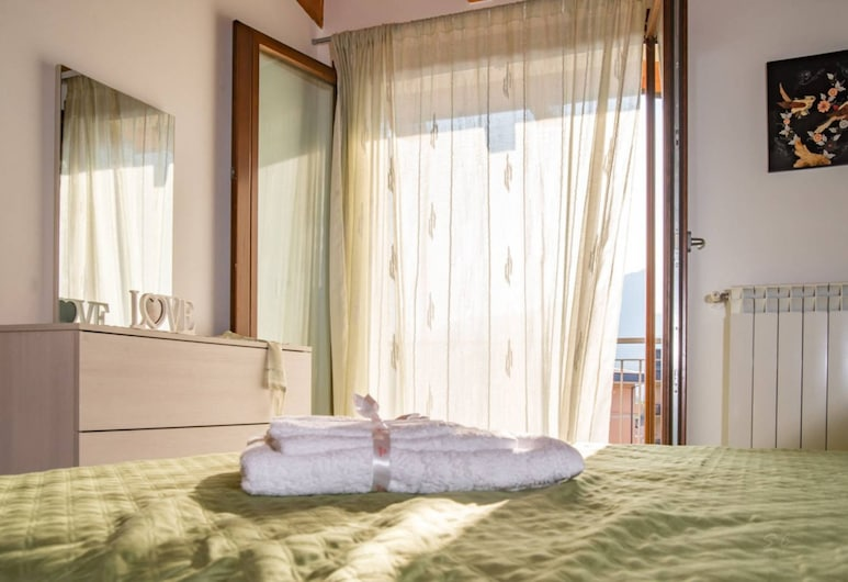 Feel at Home - Casa Dal Colle, Pisogne, Apartment, 2 Bedrooms, Room