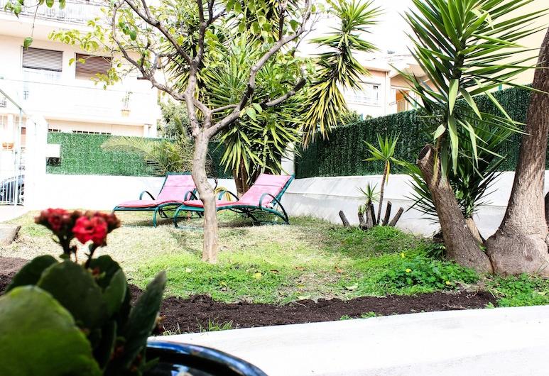 Villa Joséphine, Nice, Jardin