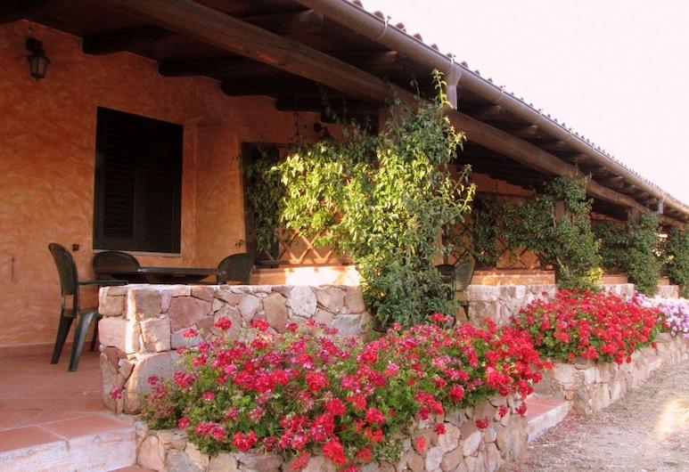 Agriturismo Lu Branu, Arzachena, Apartment, 2 Twin Beds, Terrace/Patio