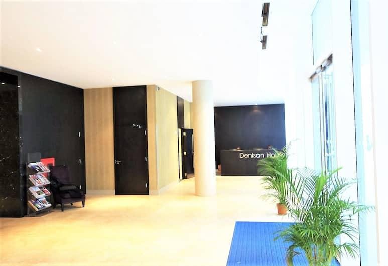 Extravagant Court Apartment, London, Fuajee