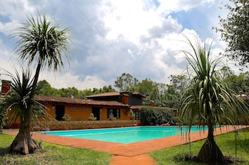 תמונה של Villa Patzcuaro Garden Hotel & RV Park בPatzcuaro