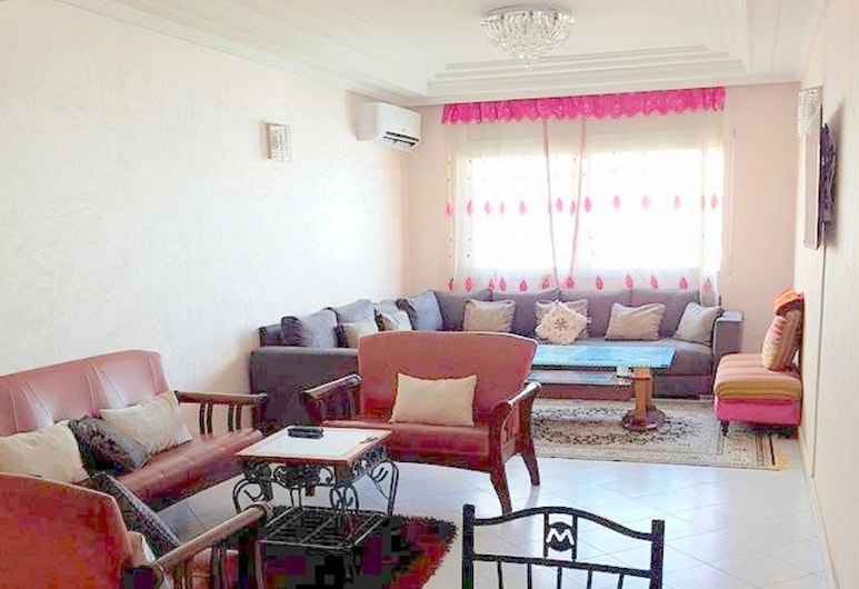 Apartment  near to Twin Tours, Casablanca, Apartment, Ruang Tamu