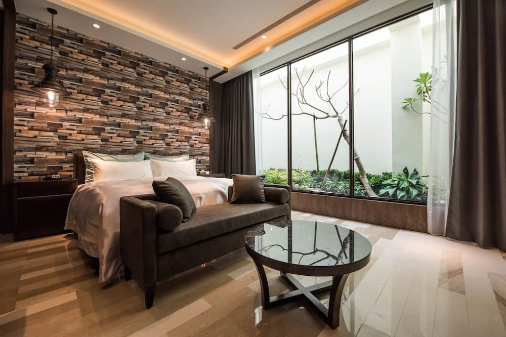 Deluxe Double Room (Check-in After 8:00 PM) - Guest Room