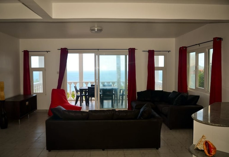 Ocean Spray Self-Catering Apartments, Mahe Island, Apartment, 3 Bedrooms, Living Area