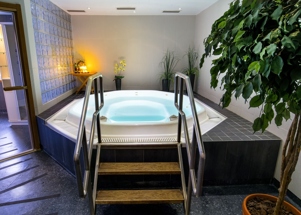 Book Starby Hotell Konferens & SPA in Vadstena | Hotels.com