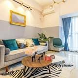 Deluxe Tatami Suite - Living Room
