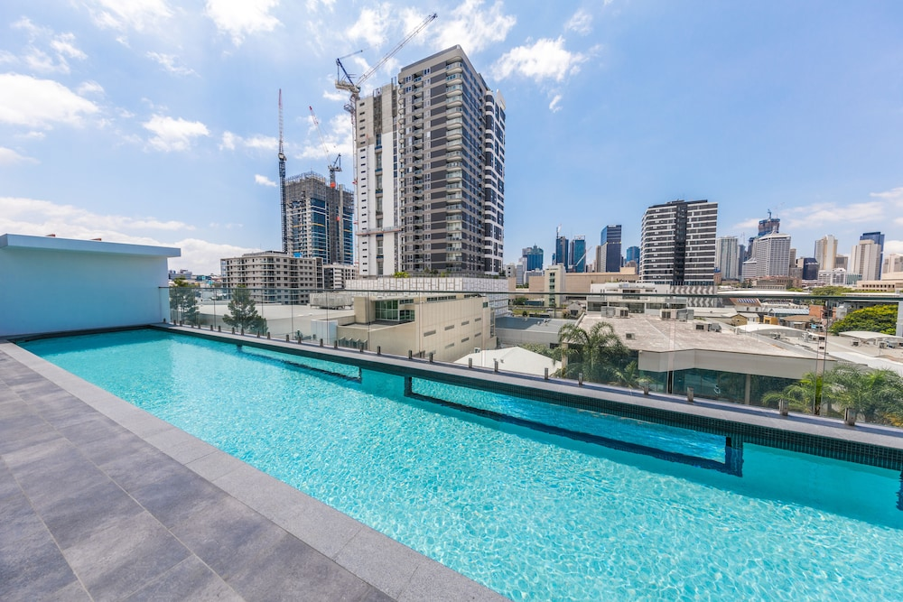 Homely Apartment In South Brisbane, South Brisbane, Rooftop Pool