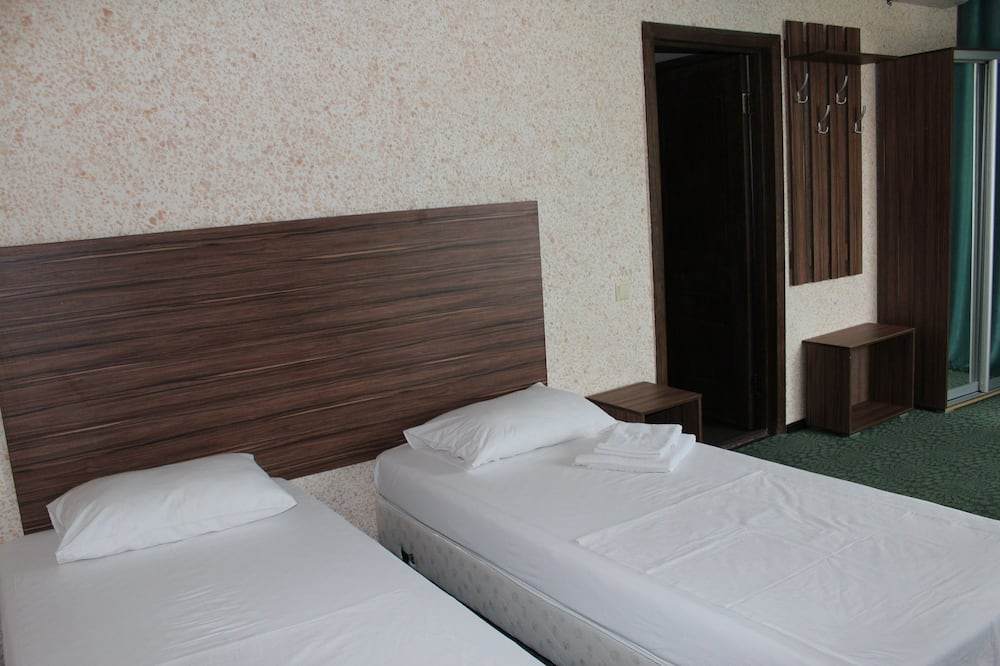 Economy Twin Room - Guest Room