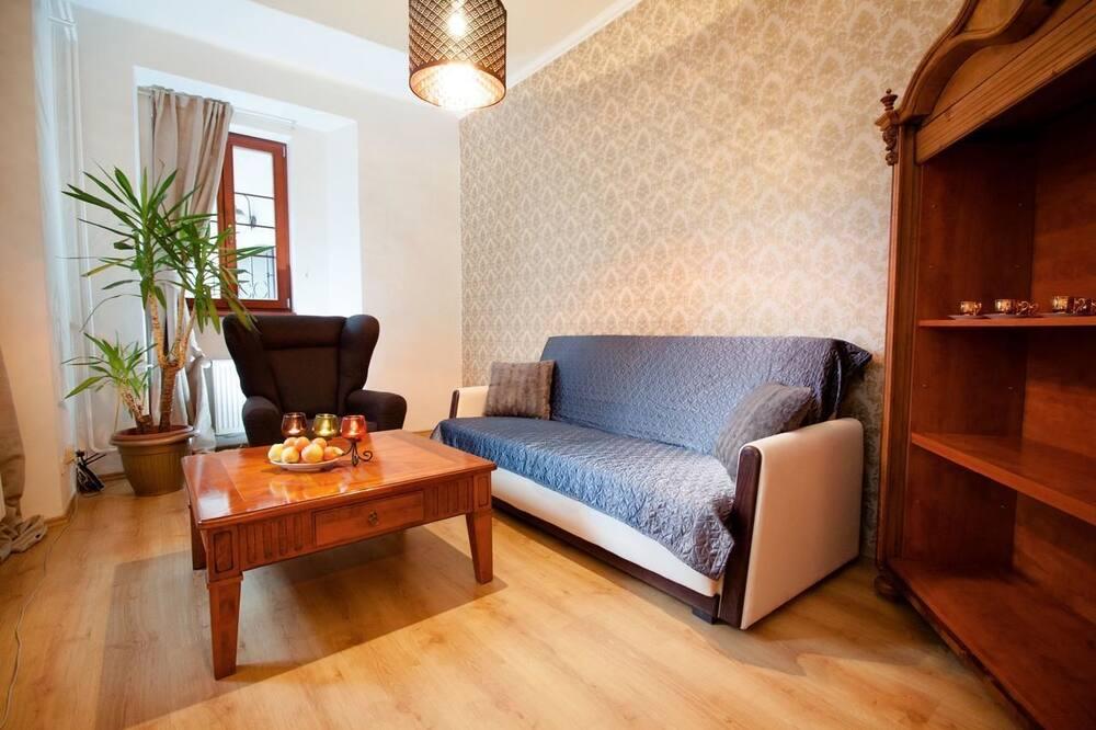 Honeymoon Suite, Fireplace - Living Area