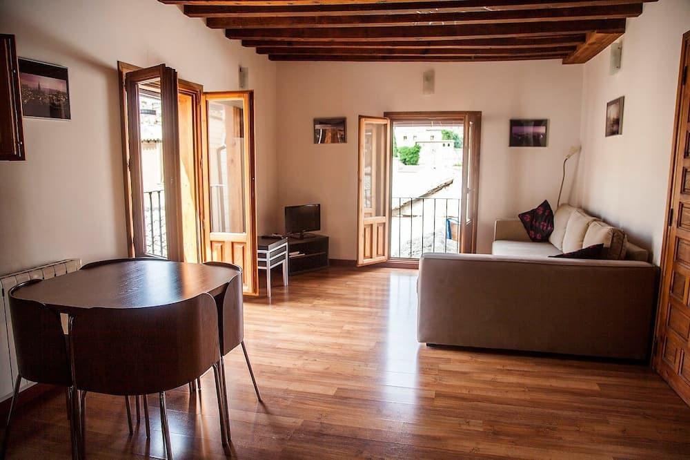Lejlighed - 1 soveværelse - terrasse - byudsigt - Spisning på værelset