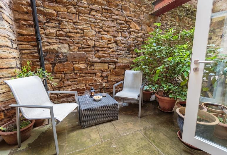Sycamore Suites, Sheffield, Premium Double Room, Kitchenette, Terrace/Patio