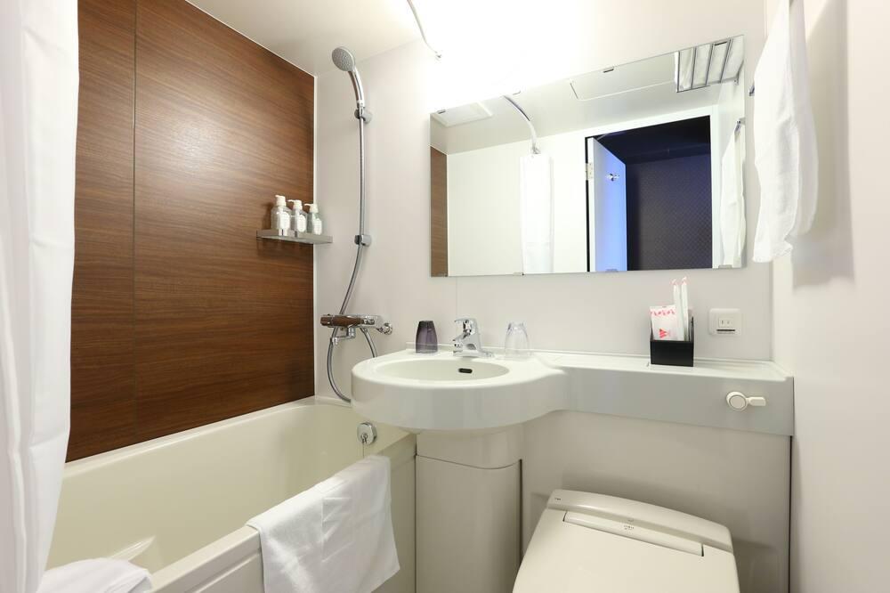 Standard Double Room, 1 Double Bed, Non Smoking - Bathroom