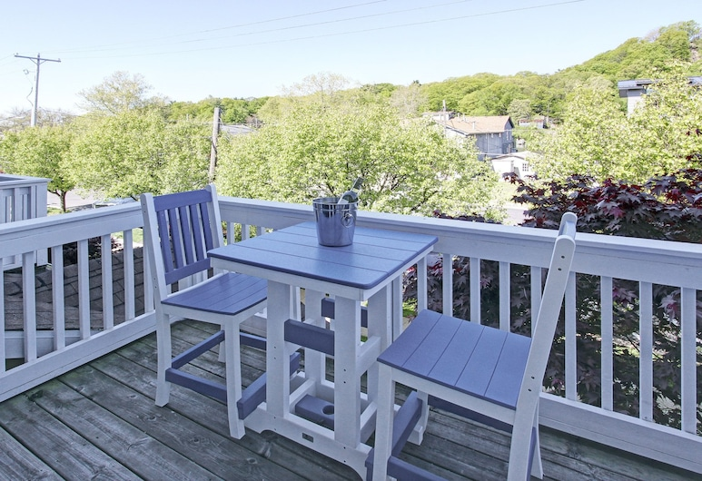 Water Street Townhouses, Saugatuck, City Townhome, 3 Bedrooms, Patio, Balcony