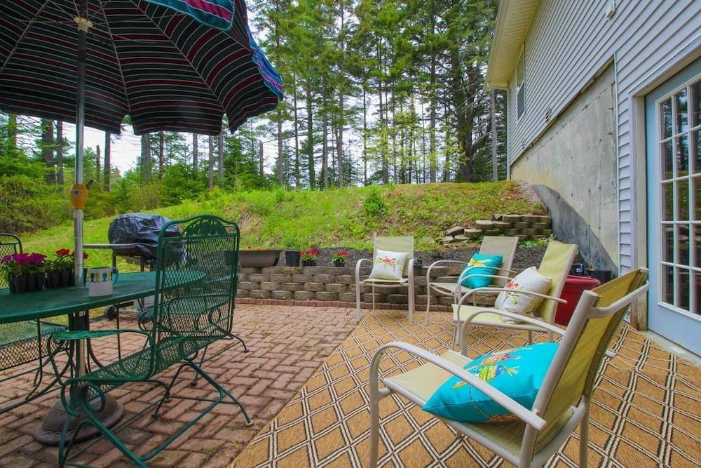 Midcoast Serenity Apartment 3 Waldoboro Terrace Patio