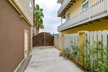 Picture of Red Snapper Hideaway Apartment 5 in South Padre Island