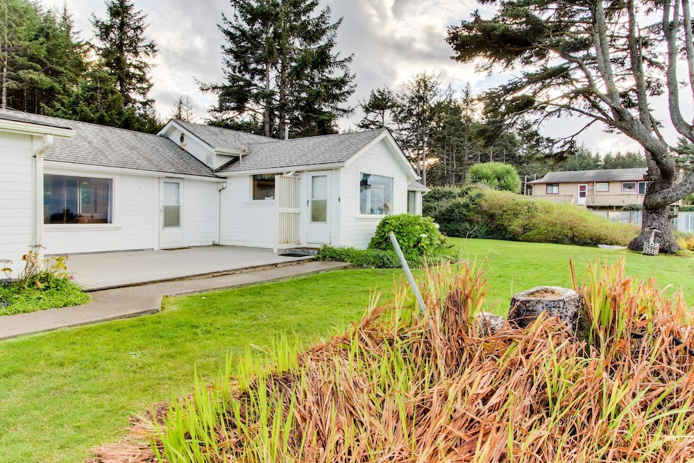 Vacation Home At Lighthouse Beach Holiday 2 Coos Bay
