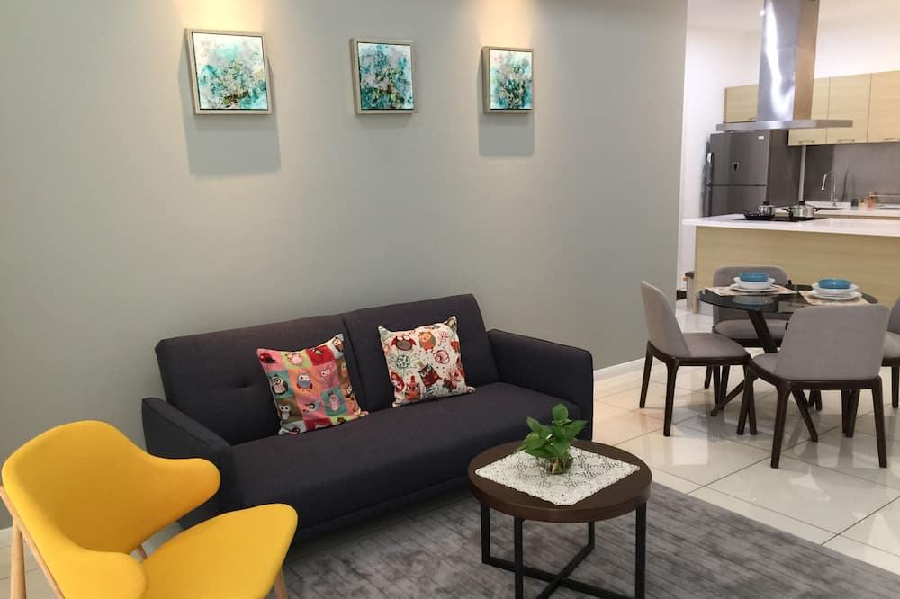 Comfort Condo, 1 Bedroom, Pool View - Living Room