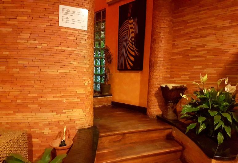 Sole Hotel, Antananarivo, Pintu Masuk Interior