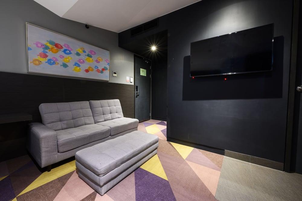 Fox Room - Living Area