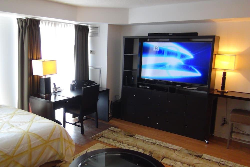 Luxury Condo, 1 Queen Bed - Living Area