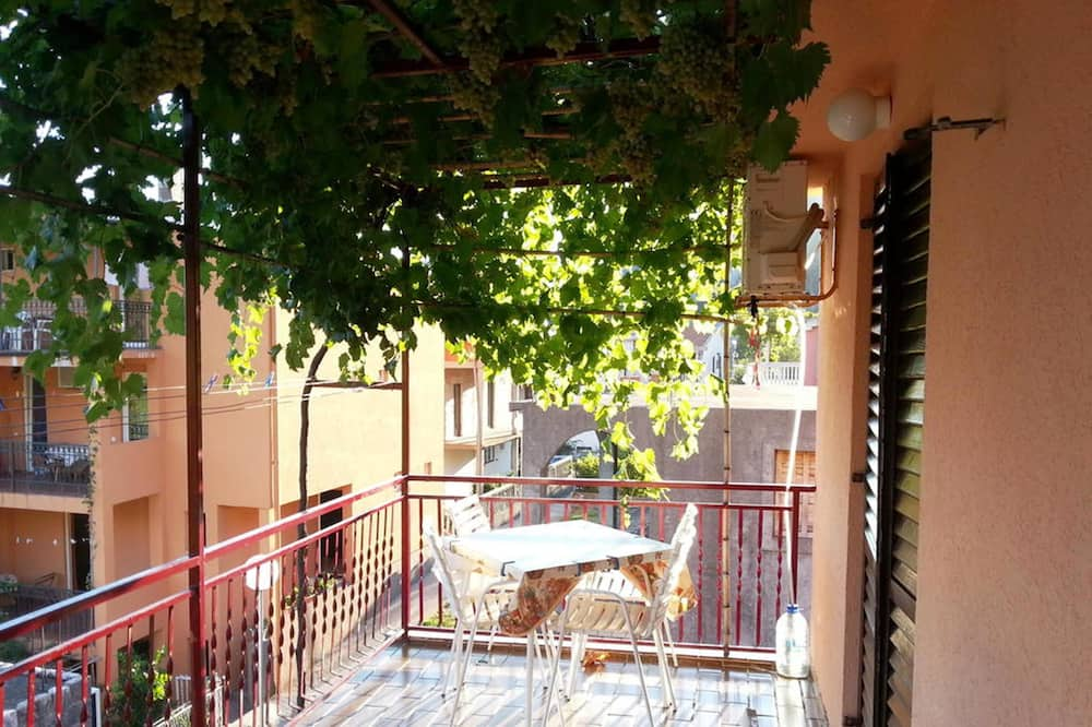 Classic Double or Twin Room, 1 Bedroom, Kitchen, Sea View - Balcony