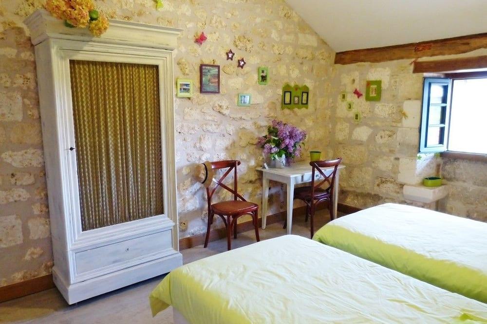 חדר קומפורט זוגי או טווין, נוף לגן, אזור הגן - חדר רחצה