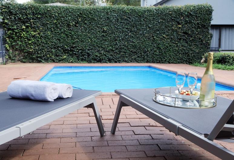 Kiendo Bed and Breakfast, Johannesburgo, Alberca al aire libre