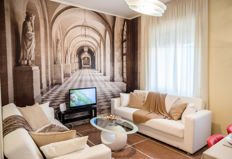 Re Di Roma Home, Rome, Apartment, 2 Bedrooms, City View, Living Area