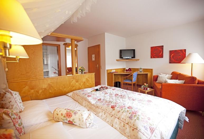 Hotel Lamm Hebsack, Remshalden, Basic Double Room Single Use, 1 Bedroom, Living Area