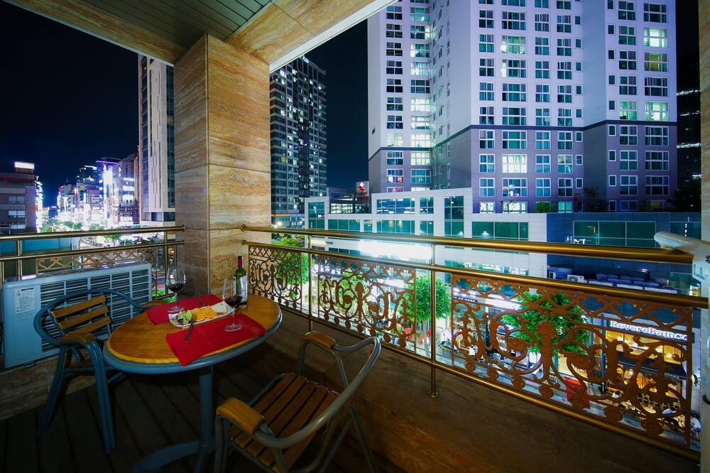 Superior Twin Room, 2 Bedrooms, City View - Balcony