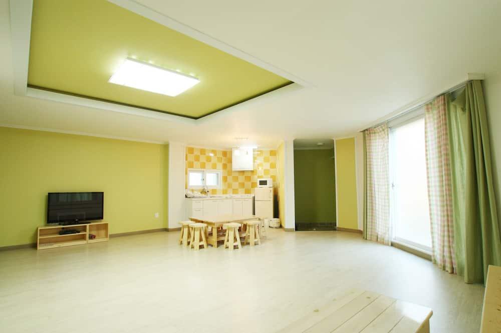 Borisu - Living Area