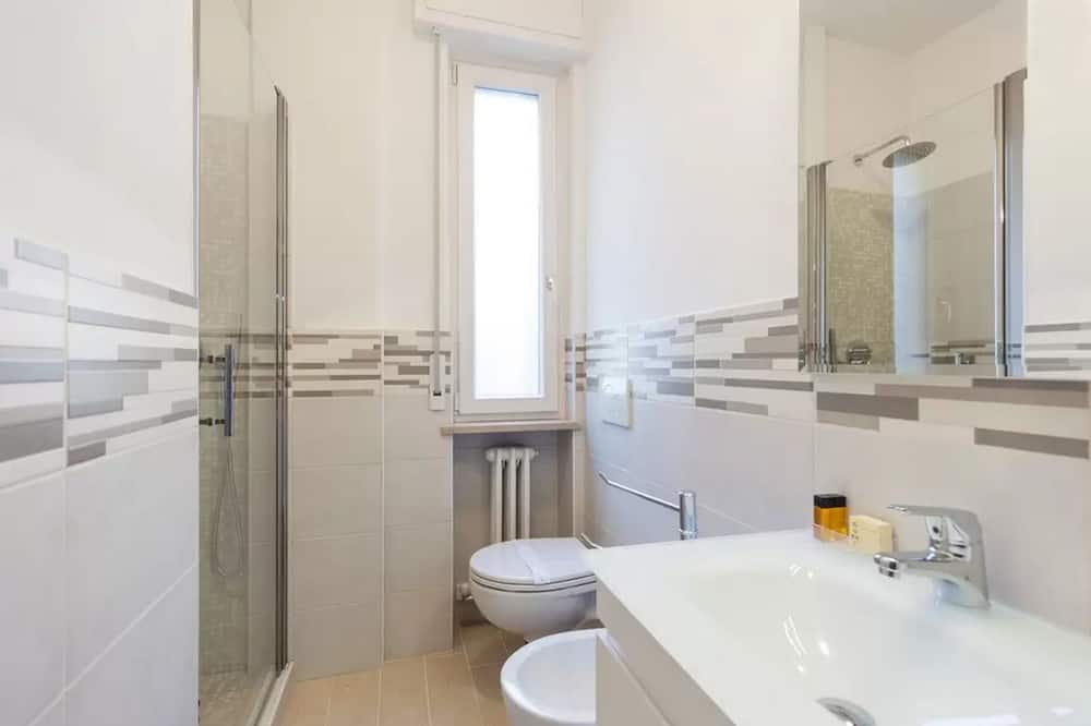 Kahetuba (Private External Bathroom) - Vannituba