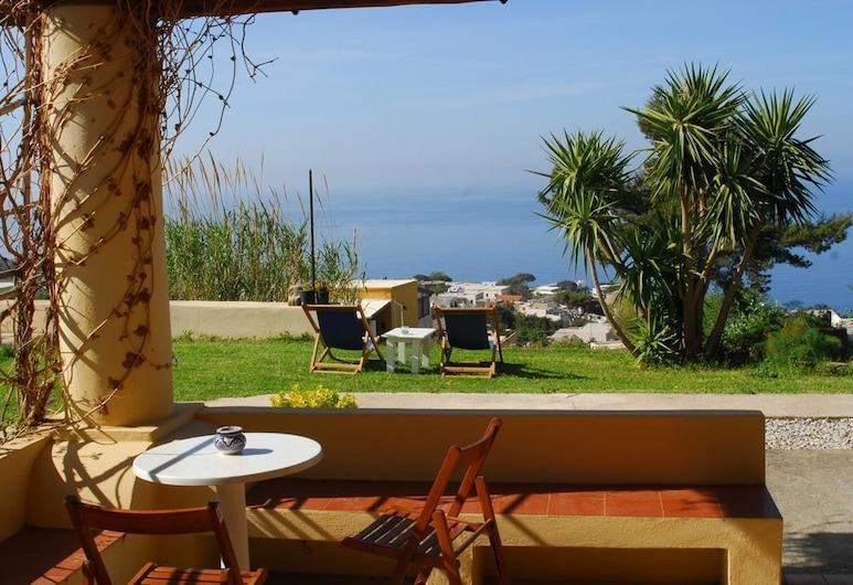 Bed & Breakfast Eoliano, Malfa, Garden