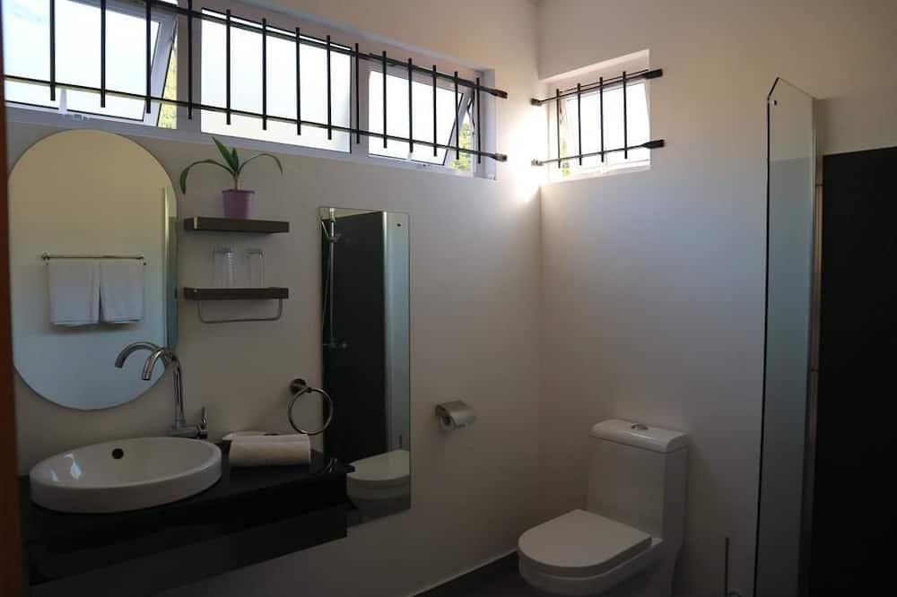 Studio, Quang cảnh biển - Phòng tắm