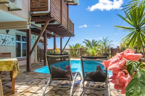 藍色礁湖別墅飯店/