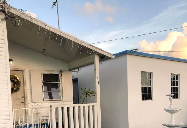 Denyse Home Cottage, St. John's, A szálláshely homlokzata