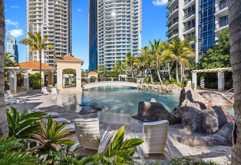 Holiday Holiday Chevron Renaissance, Surfers Paradise, Outdoor Pool
