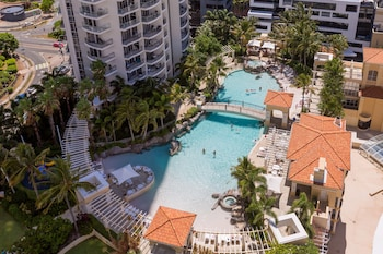 Picture of Holiday Holiday Chevron Renaissance in Surfers Paradise