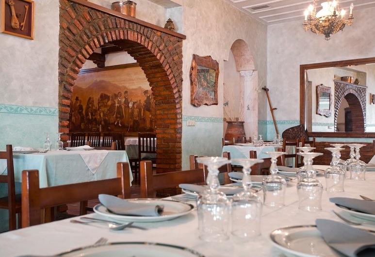 Hosteria Peña Sagra, Cillorigo de Liebana, בר המלון