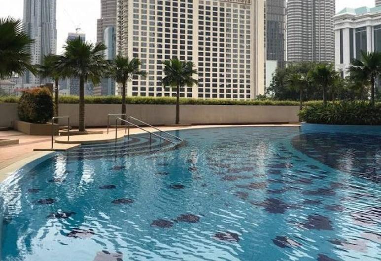 Pine Cone @ Crest KLCC, Куала-Лумпур