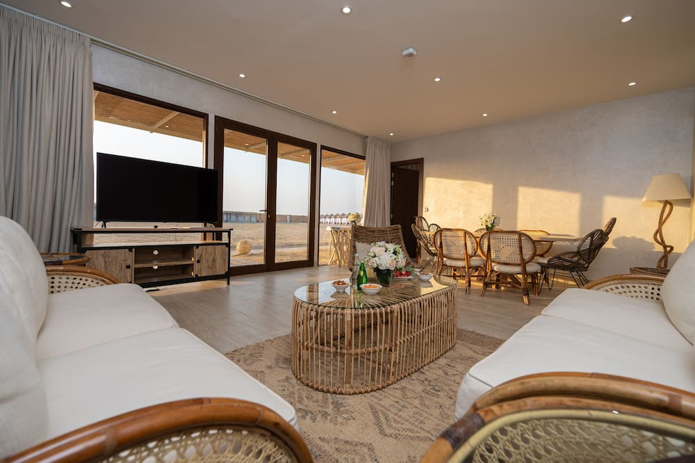 VIP Suite Seafront - Living Area