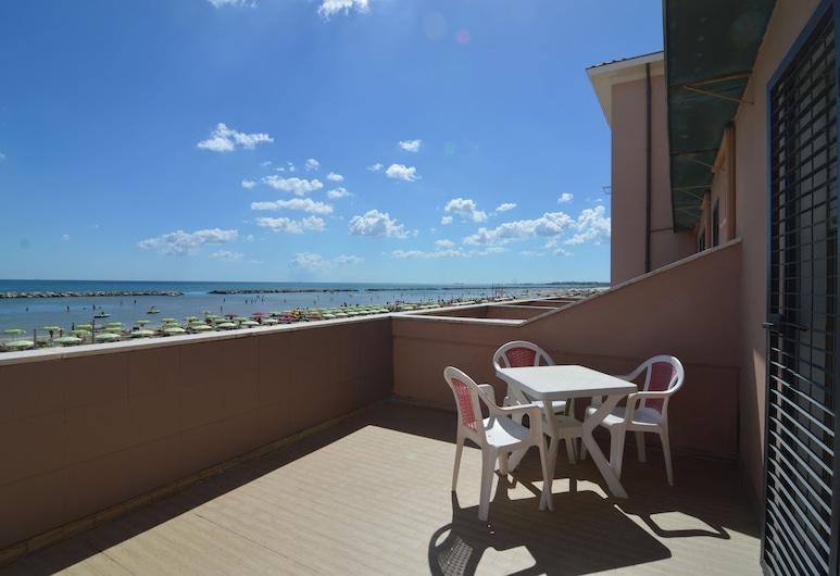Albergo Villa Luciana, Ρίμινι, Comfort Δίκλινο Δωμάτιο (Double ή Twin), Μπαλκόνι, Αίθριο/βεράντα