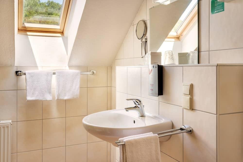 Δίκλινο Δωμάτιο (Double) - Νιπτήρας μπάνιου