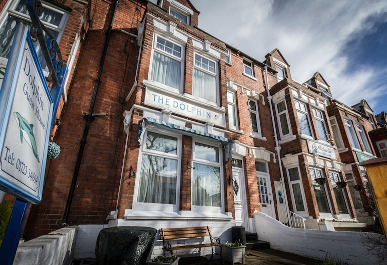 Dolphin Guesthouse, Scarborough, Hotel Front